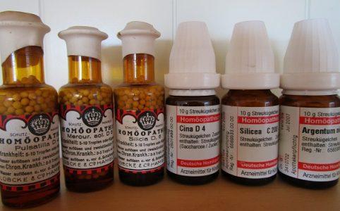 Homöopathie Globuli Flaschen