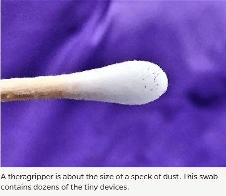 Theragripper auf einem Wattestäbchen